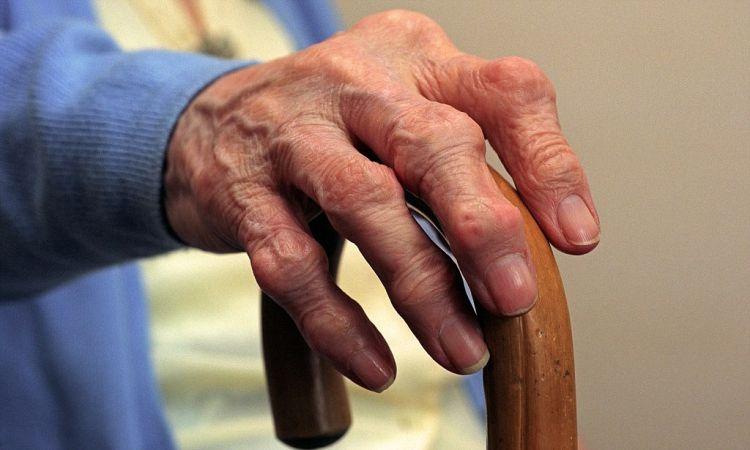 Лечение артрита на Мертвом море эффективными методами