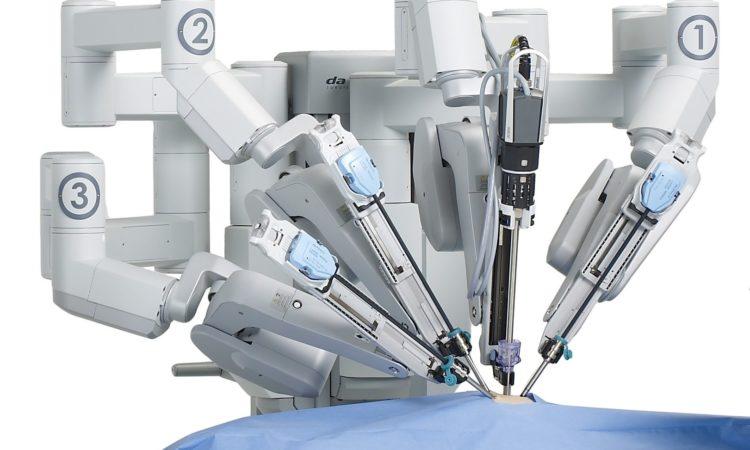роботизированная рука для проведения хирургических операций